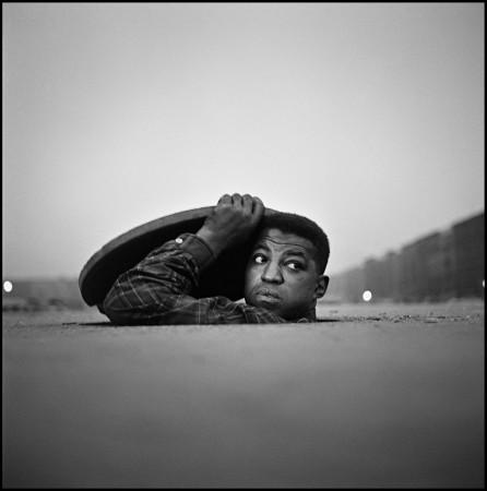 Gordon Parks, The Invisible Man, Harlem, New York, 1952