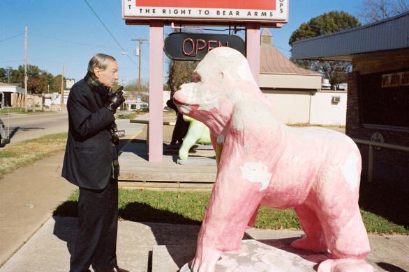 Juergen Teller, William Eggleston and Pink Gorilla, Memphis, 2010