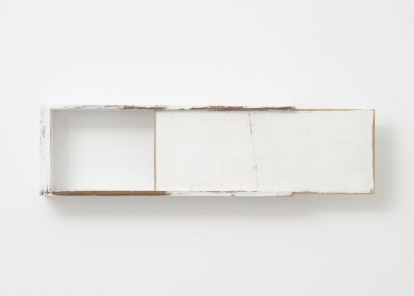 Fernanda Gomes, Untitled, 2018
