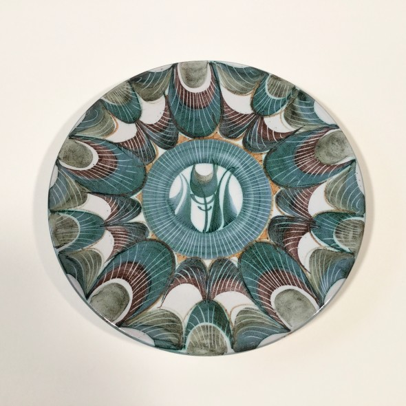 <span class=%22title%22>An Aldermaston Pottery dish with a feather motif<span class=%22title_comma%22>, </span></span><span class=%22year%22>1969</span>