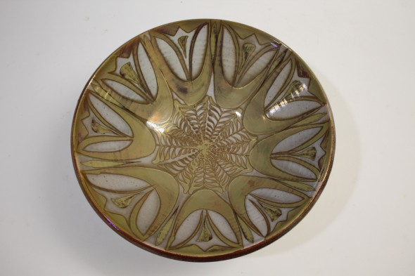 <span class=%22title%22>An Aldermaston Pottery flared bowl with lustre<span class=%22title_comma%22>, </span></span><span class=%22year%22>c 1970</span>