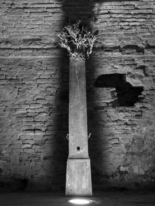"<span class=""artist""><strong>IVAN THEIMER</strong></span>, <span class=""title""><em>Obelisco con vegetazione</em>, 1984</span>"