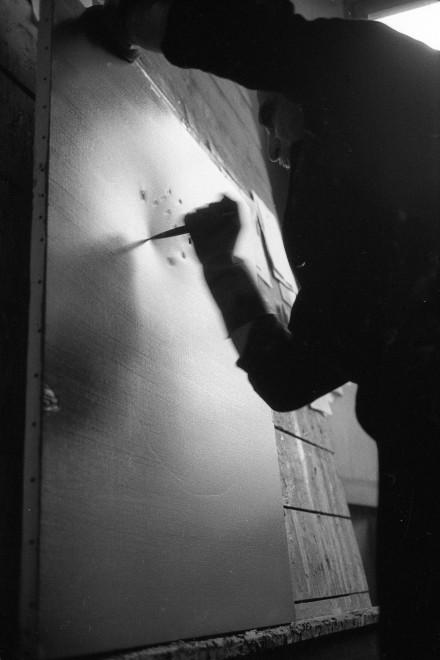 "<span class=""artist""><strong>Ugo Mulas</strong></span>, <span class=""title""><em>Lucio Fontana, Il Sole, Milano (2)</em>, 1962-2019</span>"