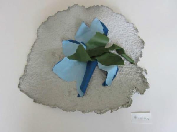 Lili DUJOURIE 1941 - Ballade - Hepatica, 2011 Paper mache Unique 30 x 34 x 6.5 cm