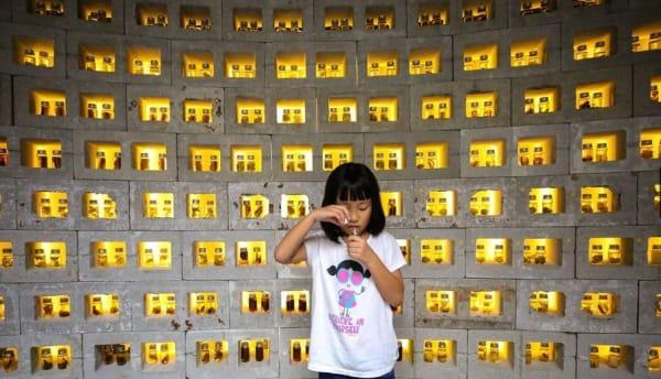 Girl at the botanical wall