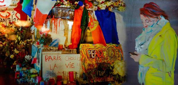 Paris Chooses Love