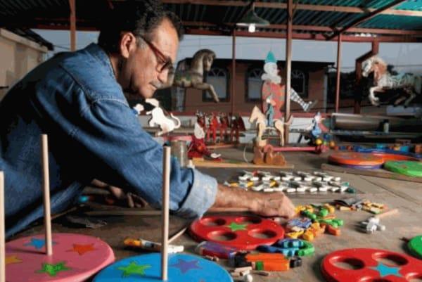 """<span class=""""artist""""><strong>Mario Calderón</strong></span>, <span class=""""title""""><em>Diablos de Yare</em></span>"""