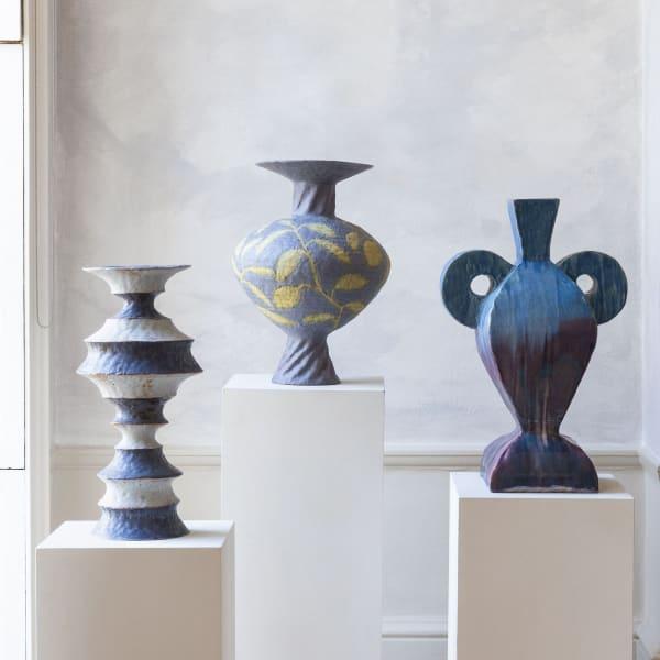 Ceramics by Peter Schlesinger at Tristan Hoare © Alzabeta Jaresova