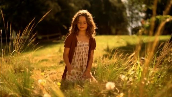 <p>Tempo</p><p>'Dandelion'</p><p>Music composition: Jerry Chater</p>  <p>additional arrangement and sample wizardry: Stu Kennedy</p>  <p>Director: Jon Hollis Nice Shirt films</p>  <p>for Publicis UK</p>