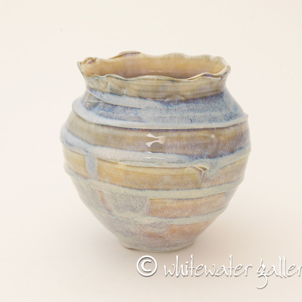 Hugh West, Vase