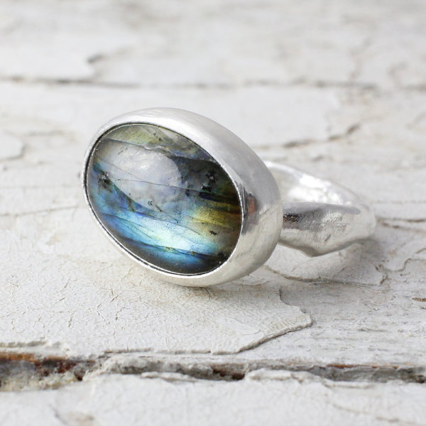 Marsha Drew - Large Oval Ring with Labradorite
