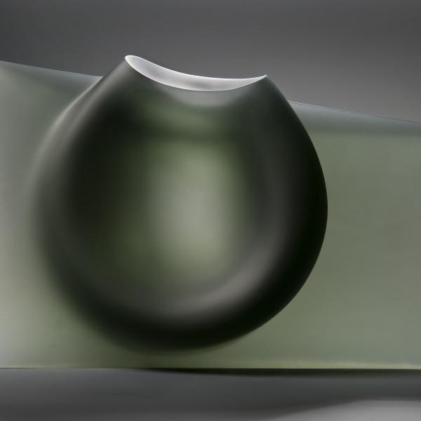 Ashraf Hanna - Grey vessel form