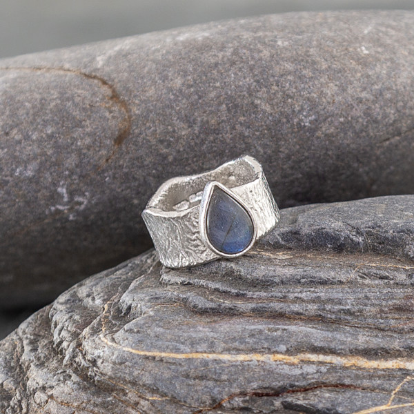 Marsha Drew, Fragment Ring with Labradorite