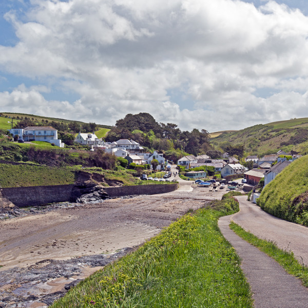 Nick Wapshott, Down to Port Gaverne