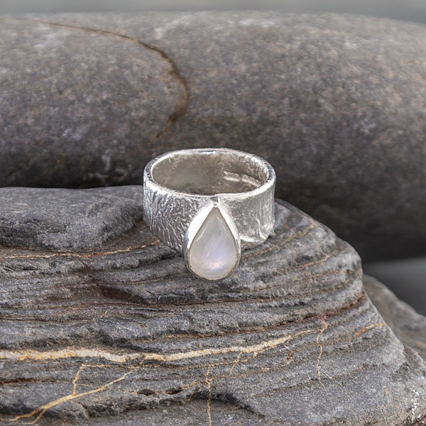 Marsha Drew, Fragment Ring with Rainbow Moonstone