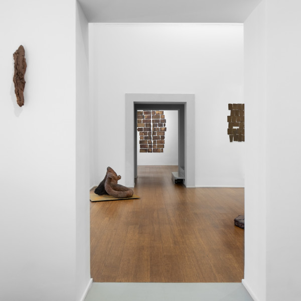 Nanni Valentini | The interspace between the visible and the tactile