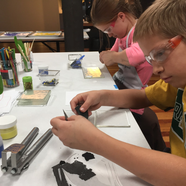 Glass Lab: Grown-ups & Kids Ages 9–11