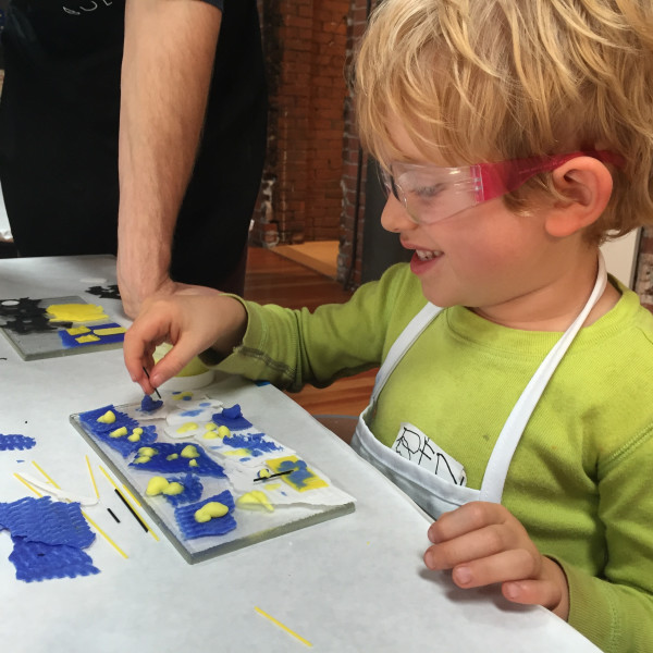 Glass Lab: Grown-ups & Kids Ages 3-5