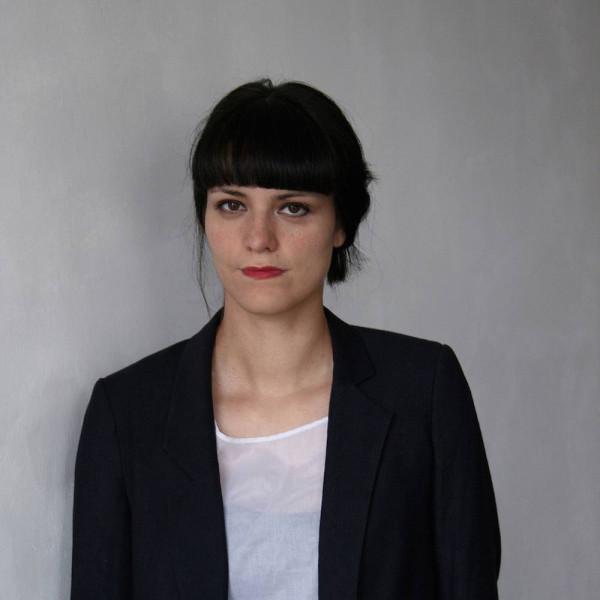 Anahita Razmi: Przemiesz(cz)anie