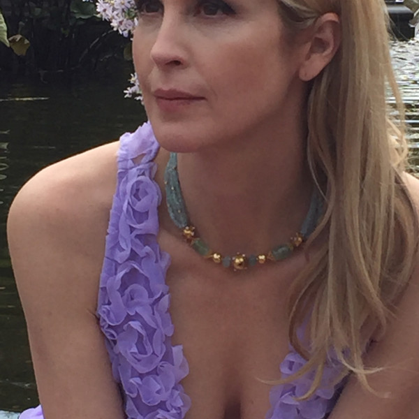 Gossip Girl's Kelly Rutherford wearing our Aquamarine and Beryl Necklace.