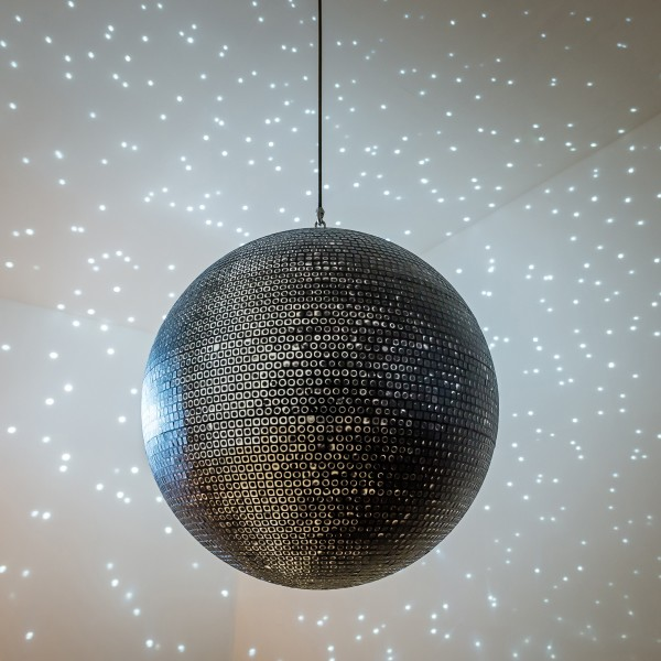 Katie Paterson - Ideas - (A nocturne stretched to play the longest night in the universe), 2019