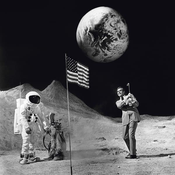 Bond on the Moon, 1971