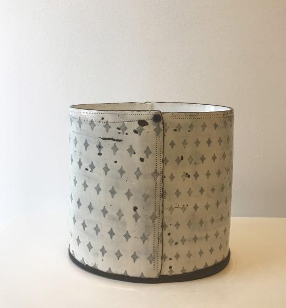 Grey Diamond, Oval Vessel