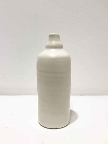 Linda Bloomfield, Medium White, Ridge Neck Bottle