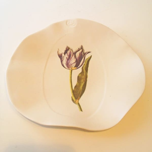 Tulip Plate with symbol, Medium