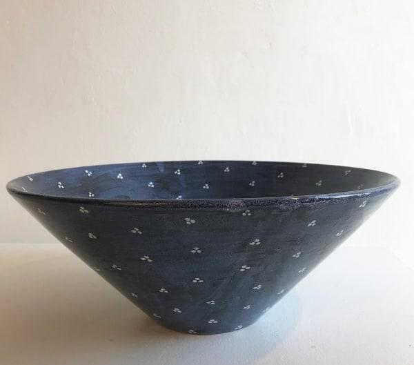 White Tri-Spot on Blue, Extra large V-shaped Bowl