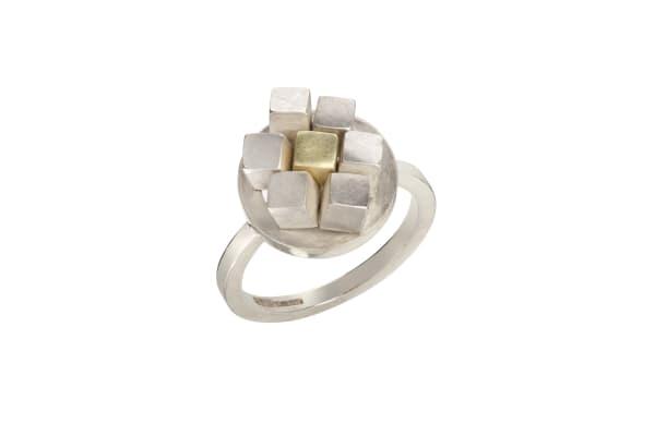 Large Cube Circular Ruffle Ring