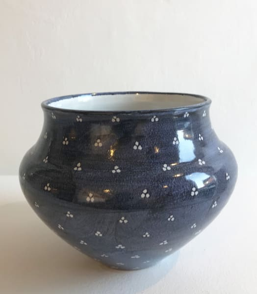 Tydd Pottery, White Tri-Spots on Blue, Large Vessel