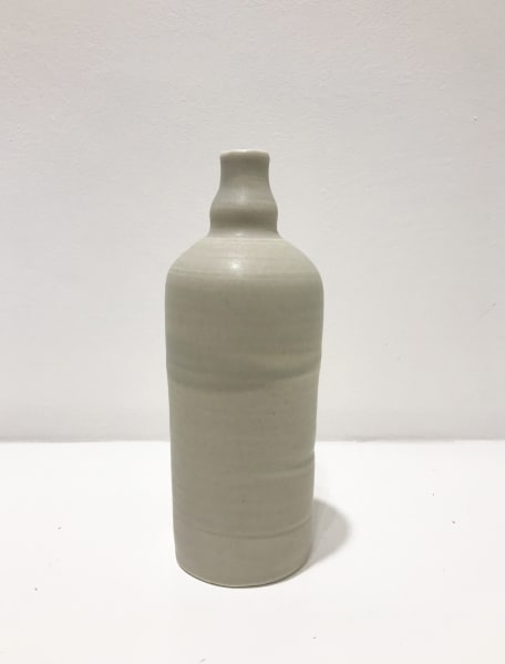 Linda Bloomfield, Medium Light-Grey, Ridge Neck Bottle