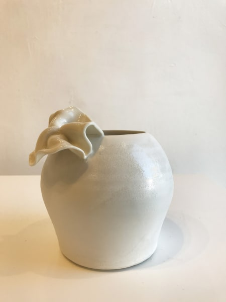 Emma Jagare, Small Flower Vase (Large Petal), 2018