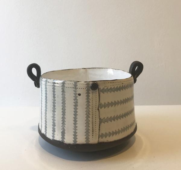 Grey Triangles, Tub Pot