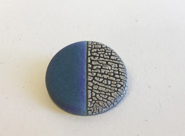 Emma Williams, Brooch in Indigo Blue and White (Vertical)
