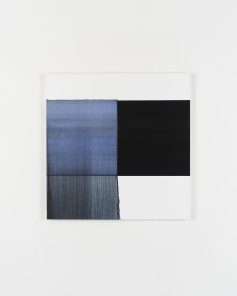 Callum Innes Exposed Painting Blue Violet, 2018 oil on canvas 125 x 123 cm 49 1/4 x 48 3/8 in