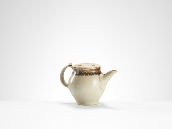 Bernard Leach, teapot with gold repair