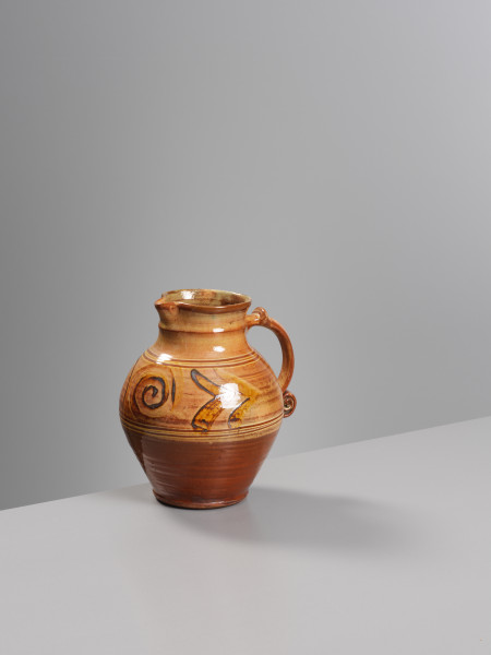 Michael Cardew, Jug Chevron/scroll handle