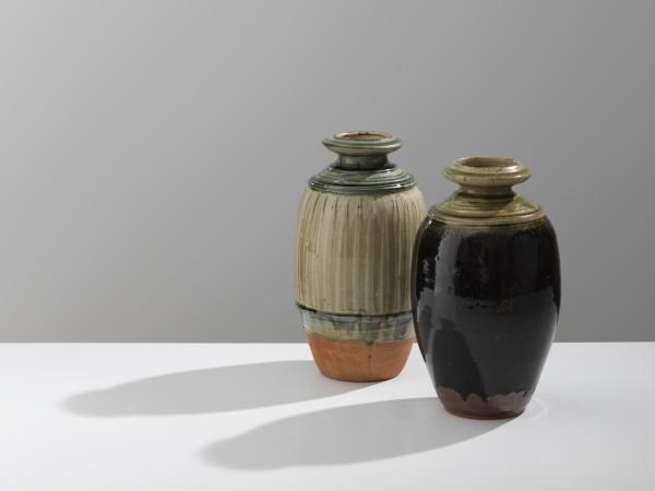 Richard Batterham, Ash glazed Bottle, 2018