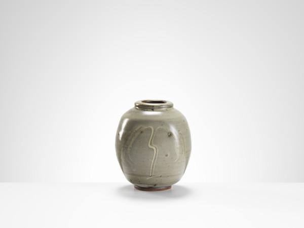Bernard Leach, Vase with Willow Design