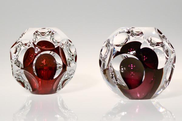 Leos and Dagmar, Two Molecules