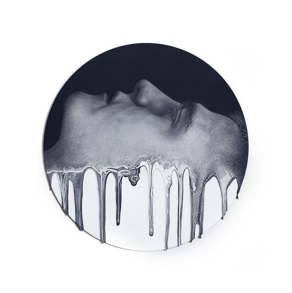 Simon Hennessey Emanate Acrylic on panel 40 cm diameter