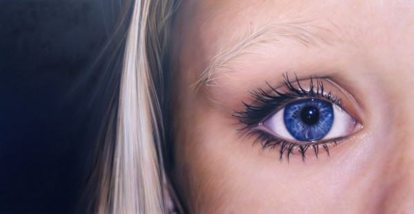 Simon Hennessey, Blond hair, Blue eye