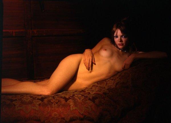 Robert Dimin, Red Reclining Nude, 2003
