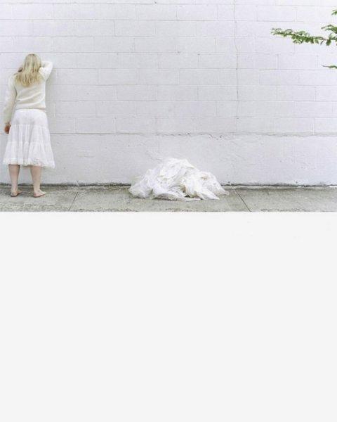 Mariana Bersten, Jody and the Wall, 2003