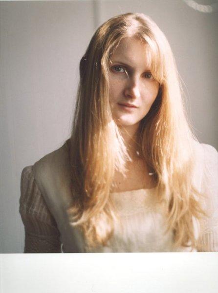 Mariana Bersten, Meroe's Front, 2004