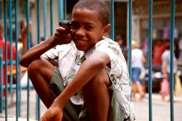 Ohad Maiman, Child's Play (Seychelles), 2004
