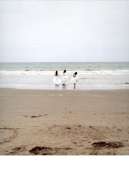 Mariana Bersten, Far Away Girls, 2005