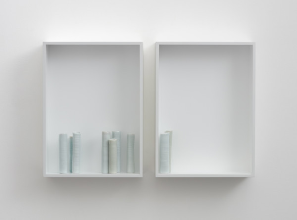 Edmund de Waal - and gone -, 2015 8 porcelain vessels in a pair of aluminium and plexiglass vitrines 38 x 60 x 10 cm